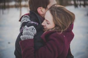 Cuando tu pareja se aleja dale amor