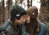 Cómo coquetear a un hombre con tu sonrisa