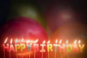 Si tu pareja está de cumpleaños, ¡sorpréndelo!