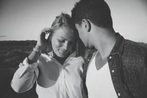 Cómo atraer a un hombre comprometido