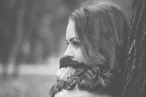 Las mujeres atractivas se aman y viven plenamente
