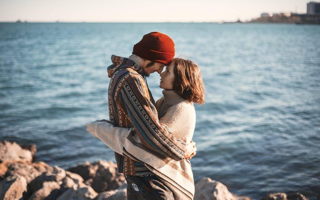 Cómo enamorar a un hombre y seducirlo intensamente ¡Completa guía!