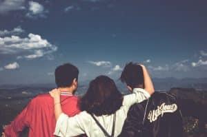 Socializa si quieres dejar de pensar en tu ex