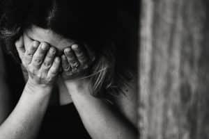 Para volver con tu ex novio no te humilles ni le llores