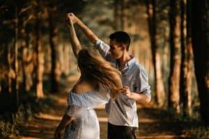 Aprender a bailar juntos activa el romance