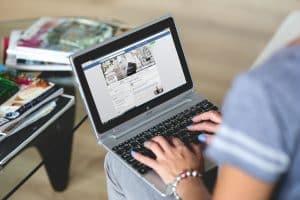 Cómo ligar a un hombre por redes sociales