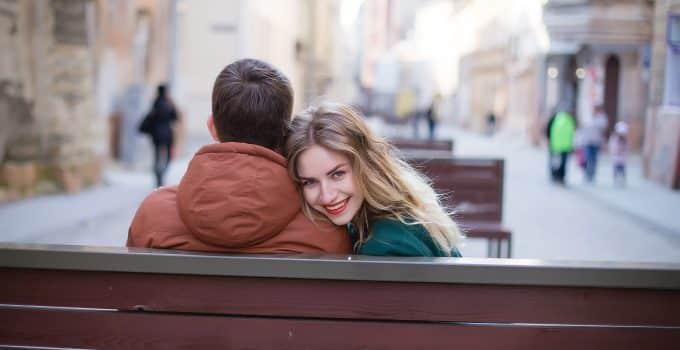 Cómo enamorar a un hombre introvertido