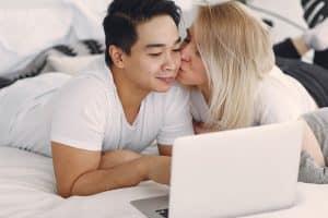 Consulta de pareja por red